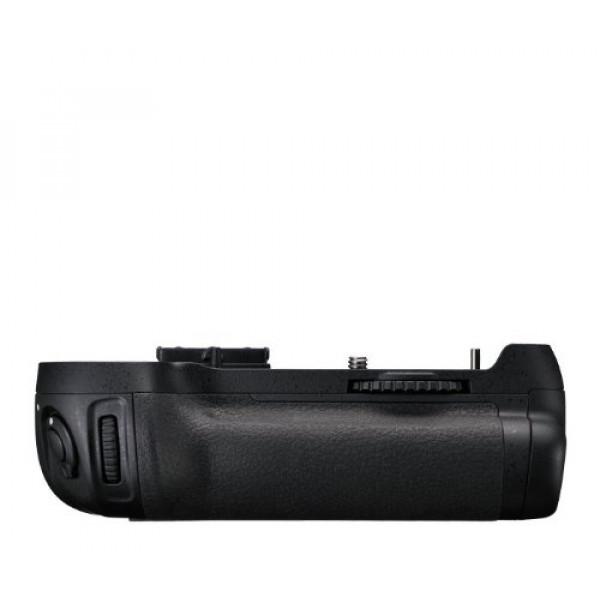 Nikon MB-D12 Multifunktionshandgriff-31
