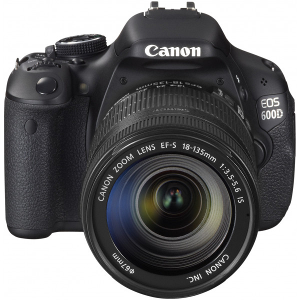 Canon EOS 600D SLR-Digitalkamera (18 Megapixel, 7,6 cm (3 Zoll) schwenkbares Display, Full HD) Kit inkl. EF-S 18-135mm 1:3,5-5,6 IS-313