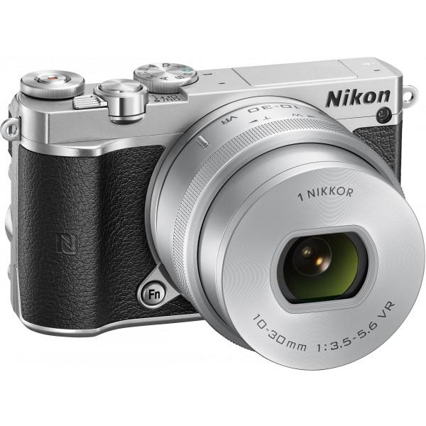 Nikon 1 J5 Systemkamera (20 Megapixel, 7,5 cm (3 Zoll) Display, 4K-Videoaufzeichnung, Funktionswählrad, Einstellrad, Funktionstaste, WiFi, NFC, USB, HDMI) Kit inkl. 10-30 mm PD-Zoom Objektiv silber-39