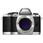 Olympus OM-D E-M10 Systemkamera (16 Megapixel, Live MOS Sensor, True Pic VII Prozessor, Fast-AF System, 3-Achsen VCM Bildstabilisator, Sucher, Full-HD, HDR) nur Gehäuse silber