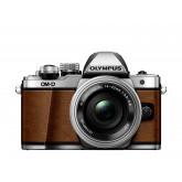 Olympus OM-D E-M10 Mark II Systemkamera (16 Megapixel, 5-Achsen VCM BildsTabilisator, elektronischer Sucher mit 2,36 Mio. OLED, Full-HD, WLAN, Metallgehäuse) Kit inkl. 14-42mm Objektiv fuchsbraun
