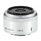 Nikon 1 Nikkor 18,5mm 1:1,8 Objektiv weiß