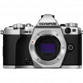 Olympus OM-D E-M5 Mark II Systemkamera (16 Megapixel, 7,6 cm (3 Zoll) TFT LCD-Display, Full HD, HDR, 5-Achsen Bildstabilisator) nur Gehäuse silber